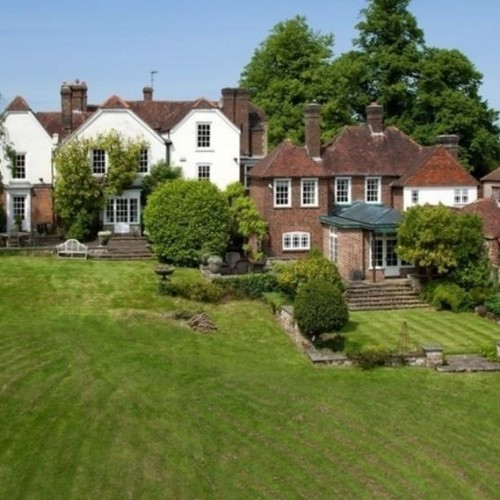 British Homeowners Modestly Optimistic About Their House Values