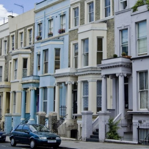 Known For Pretty Homes and Gardens, Notting Hill Draws Tourists and Buyers in Droves.