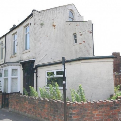 You could get this house for as little as £1 - but people are told to enter at their own risk.