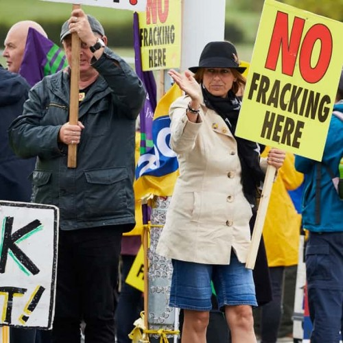 Fracking drilling rig brought on site overnight 'to avoid protests.