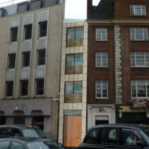 Luxury 'Skinny House' worth £2.7m to be built in three-metre gap in London.