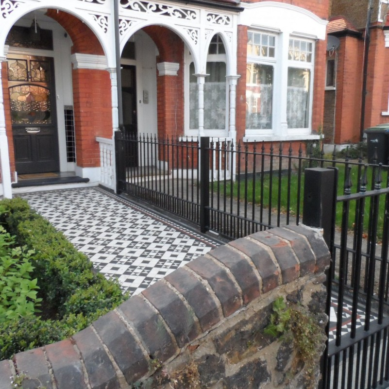 New metal railings and gates