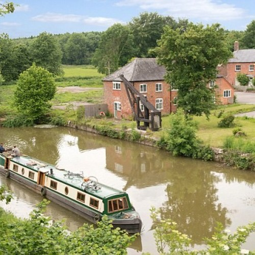 The pros and cons of setting up home by a canal.