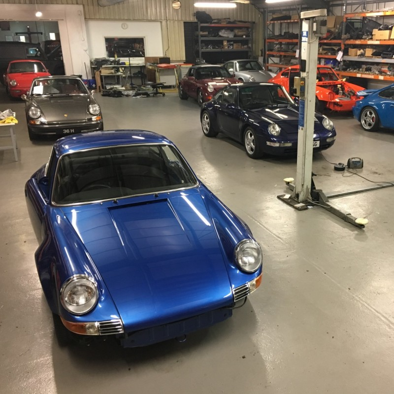 Change of use of premises to specialist car servicing / restoration / reconstruction use (sui generis)
