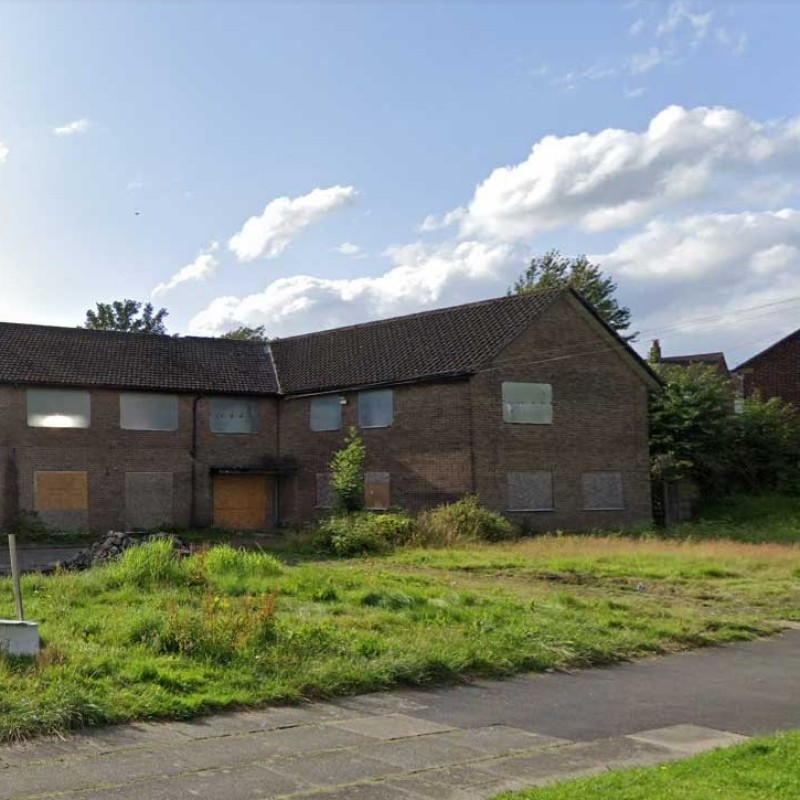 Change of use and conversion of former residential care home to a mix of Class A1 and Class D1